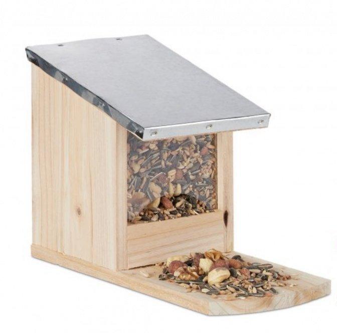 Eichhörnchen-Futterhaus mit Metalldach